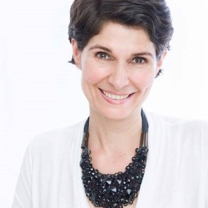 Dr. Alina Lessenich